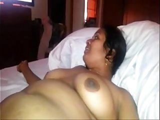 indian sexy aunty sucking cock